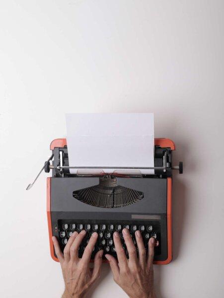 de-verdad-necesito-un-escritor-publicitario-2014
