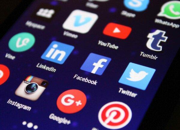 una-opinion-sobre-las-redes-sociales-2014